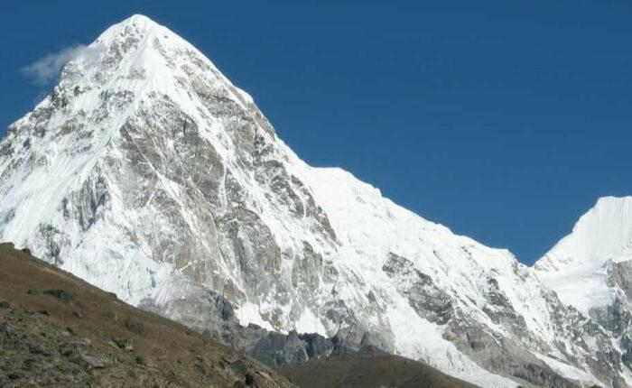 chola pass trekking